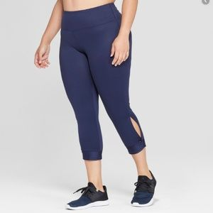 Champion Size M Blue Capri Leggings
